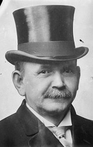 200px-Austin_Lane_Crothers,_photograph_of_head_with_top_hat